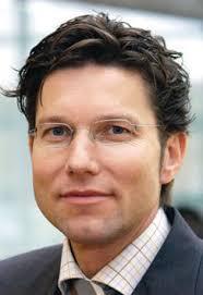 """Dr. Uwe Gottschalk, seit 2004 Leiter Geschäftsfeldes """"Purification Technologies"""" (Aufarbeitungstechnologien) bei Sartorius, wird Dozent für den ersten ... - 18382718_preview"""