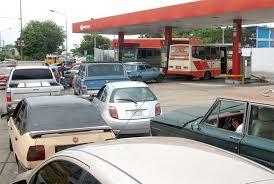 Resultado de imagen para Pdvsa hace llamado a la calma ante problemas de distribución de combustible