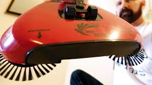 Easy Edge Review: Testing the Original <b>Spin</b> Broom - YouTube