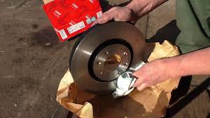 Замена <b>передних тормозных</b> дисков Peugeot 307Citroen C4 ...