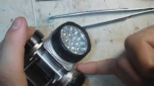 Ставим в <b>фонарик</b> мощный аккумулятор We put in a flashlight ...