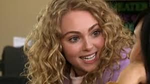 Već se neko vrijeme spekulira o tome tko će dobiti ulogu u prednastavku serije 'Seks i grad', dakle u dijelu koji prati Carrie kao tinejdžericu, ... - 58375-mala_carrie
