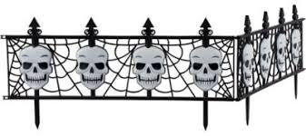 <b>Gothic Skull</b> Fences | Party City
