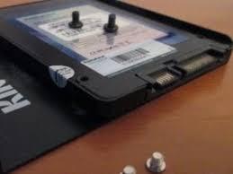 Что такое <b>SSD</b>? <b>Твердотельный накопитель</b>