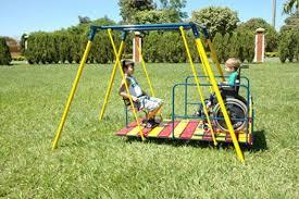 Resultado de imagem para imagem parque infantil acessível