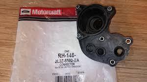 И снова <b>корпус термостата</b> — <b>Ford</b> Explorer, 4.0 л., 2008 года на ...