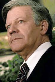 Helmut Schmidt: 'Niet alleen de Europese Raad, ook de Europese commissie, de diverse ministerraden en de hele ... - helmut-schmidt