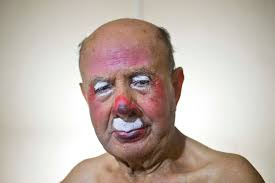 photos pitito s oldest clown com farfan began painting his face to perform as a clown alongside his father who owned the