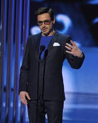 el mejor actor para el publico americano robert downey jr tambien subio a recoger su galardon jpg