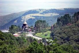 Картинки по запросу Цахкадзор – горнолыжный городок на юго-восточной части Цахкунийских гор
