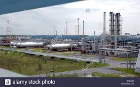 refinery russia stock photos refinery russia stock images alamy kogalymneftegaz oil refinery of lukoil western siberia in tyumen region russia stock image