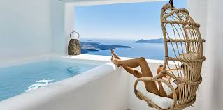 <b>You & Me</b> Santorini Suites | Enjoy your stay in our Firostefani suites