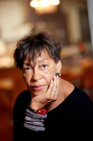 The influential but out-of-the-limelight artist Carrie Mae Weems had received a prestigious fellowship at the American Academy in Rome, and not only was she ... - elle-03-carrie-rae-de-mdn