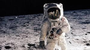 Resultado de imagem para imagens do astronauta norte-americano Alan Bean