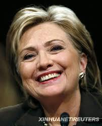要选总统 大骗子希拉里首鼠两端 向同性恋道歉