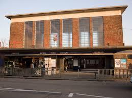 Estación de Acton Town