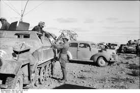 Sd. Kfz 251 and command car