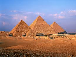 help i have an essay due tomorrow ancient the building of the great pyramid i have an essay ancient the building