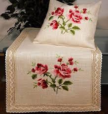 Подушки с ручной вышивкой, Германия