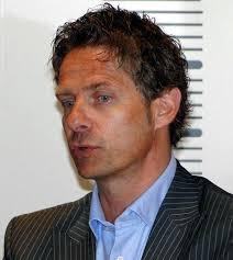 La Swiss Ice Hockey Fédération et son CEO Harry John, en place depuis septembre 2011, ont décidé d'un commun accord de mettre un terme avec effet immédiat à ... - 32307-1