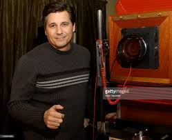 kevin mazur photos pictures of kevin mazur getty images kevin mazur and the polaroid land 20 x 24 camera during 2004 sundance film festival