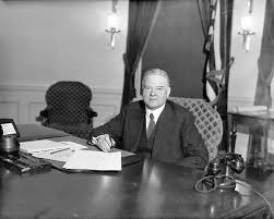 click here to see larger image president herbert hoover at his desk in the oval office of the white house amazoncom white house oval office