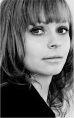 ... 30iger, 40iger Jahre... bis zu den heutigen, mordernen Hairstylings aller Art. Ähnlich ist es beim Make-up: Antje Neumann ist in allen Jahrzehnten bis ... - portrait