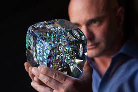 <b>Glass Sculptures</b> Designs by Fine Art <b>Glass</b> Artist Jack Storms