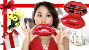 <b>HUDA BEAUTY</b> | Holiday Contour & Strobe <b>Lip Set</b> | Review ...