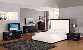 black master bedroom furniture sets with white bedding and black carpet black and white bedroom furniture
