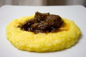 Традиционные блюда Вероны, кухня Вероны - специалитеты из Вероны. Что поесть в Вероне, что обязательно попробовать в Вероне. Блюда в ресторанах Вероны.