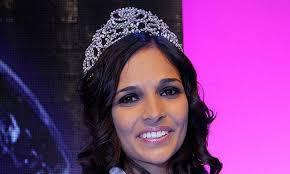 Miss Earth Schweiz 2009: Graziella Rogers. Sie veranstaltet eine Benefizgala im Berner Bellevue zugunsten gehörloser Kinder in Indien. Bild: Miriam Lenz - topelement