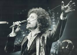 <b>Bob Dylan</b> is a <b>great</b> singer.