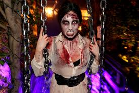 demi halloween costume 9 OCEANUP TEEN GOSSIP Demi Lovato Devilish Halloween Costume