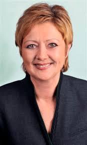 Zu Gast bei Elfie Schulz ist Ingrid Strassl, Inhaberin Gössl Gwand Linz. bilder: Datum: Mittwoch, Februar 5, 2014 - 20:00 - strassxxxl0107
