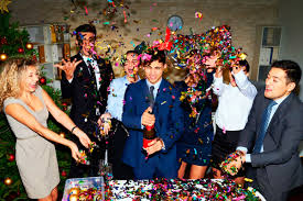 holiday office party etiquette tips reader s digest arrive on time