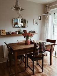 timber dining table img