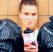 ... elle participera durant cette saison à la Copa Honda CBR 250R, l'antichambre de l'European Junior Cup dans laquelle court déjà le Suisse Adrien Pittet. - laura3