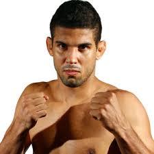 Namn: Leonardo Santos Matchfacit: 11-3. Ålder: 33. Längd: 185 cm. Vald som nr: 7 - LeonardoSantos_fight.jpg