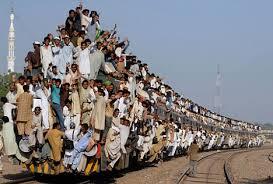 「満員電車」の画像検索結果