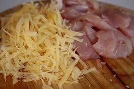 Картинки по запросу Рецепт приготовления куриного филе с чесноком и сыром