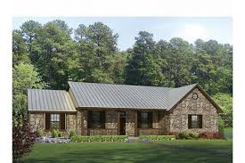 Texas Hill Country Split Bedroom Plan HWBDO Ranch from    Texas Hill Country Split Bedroom Plan HWBDO Ranch from BuilderHousePlans com