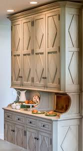 b oak kitchen hutch  ideas about kitchen hutch on pinterest solid oak hutch redo and hoosi