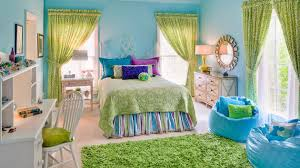 green bedroom small home