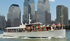 NYC Sightseeing Cruise on Yacht Manhattan | Classic Harbor Line