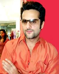 Fardeen Khan , Bollywood Actor Indian movie actor Fardeen Khan was born on March 8 1974 to superstar actor, director Feroz Khan and Sundari Khan. - Fardeen-Khan_9655