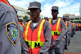 Resultado de imagen para fotos de muchos policiales dominicanos