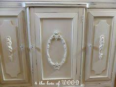 how to make an applique using picture frames she picks up interesting picture appliques for furniture