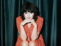 <b>Linda Ronstadt</b> Opens Up About Parkinson's and Memoirs