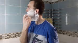 Как взбивать <b>пену</b> из мыла или <b>крема</b> для <b>бритья</b> - YouTube